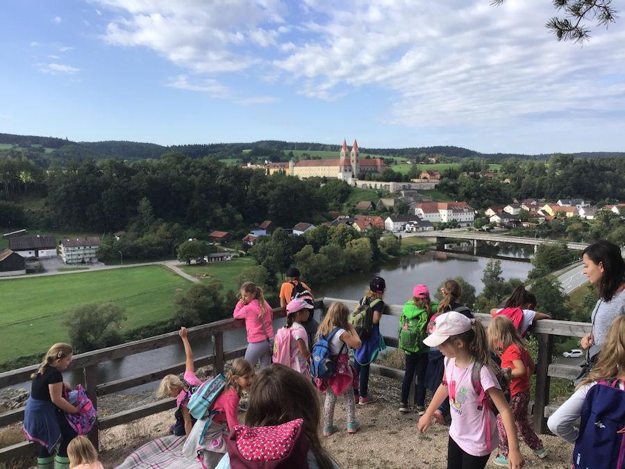 Schulkinder verbringen schöne Ferienzeit im Kinderhaus